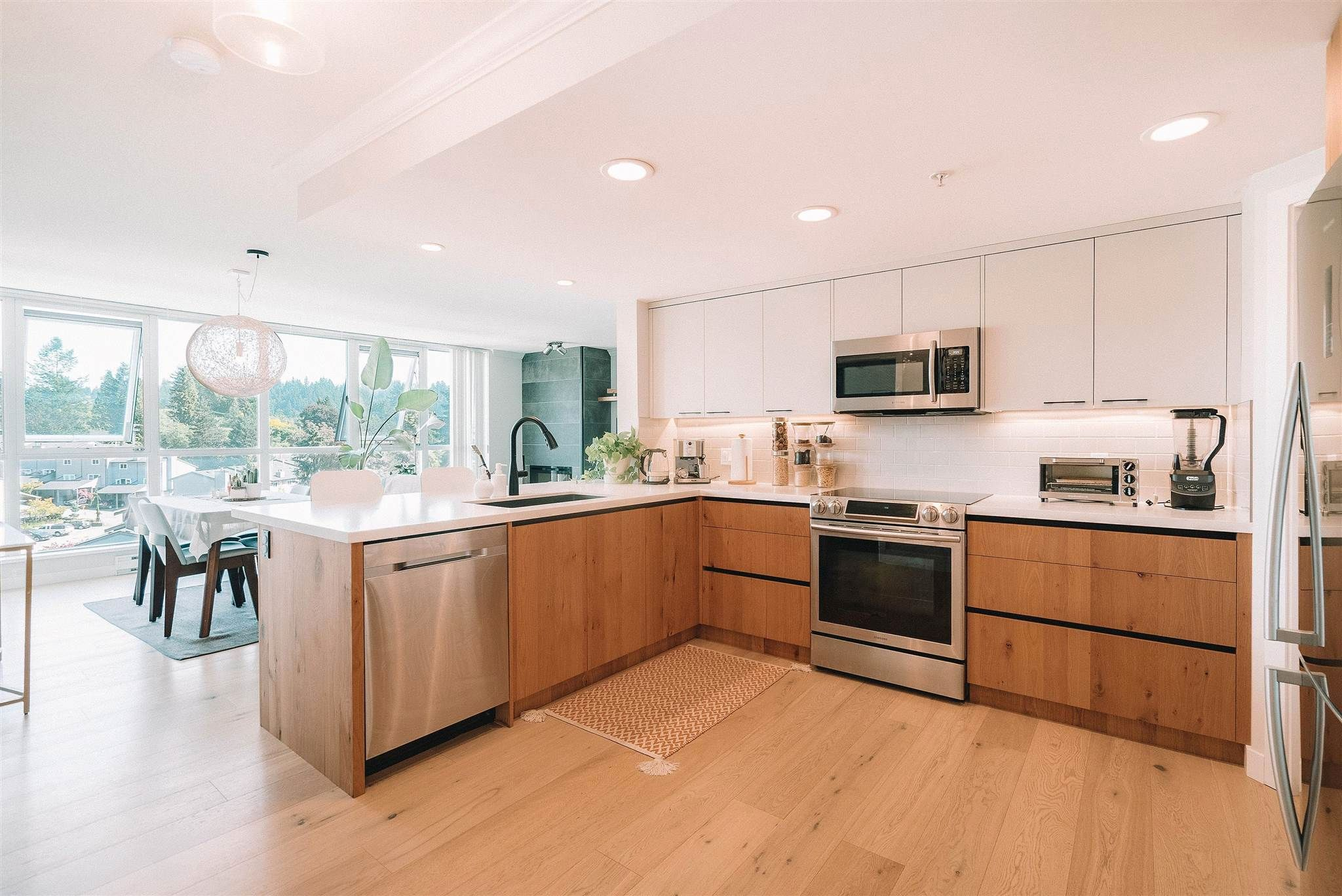 """Main Photo: 1104 235 GUILDFORD Way in Port Moody: North Shore Pt Moody Condo for sale in """"The Sinclair"""" : MLS®# R2601477"""