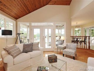Photo 5: 948 Page Avenue in : La Glen Lake House for sale (Langford)  : MLS®# 320355