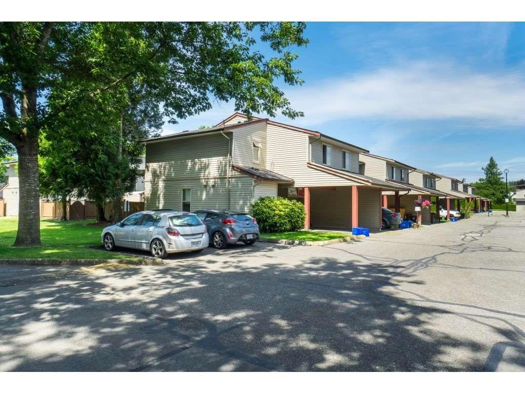 "Main Photo: 142 27456 32 Avenue in Langley: Aldergrove Langley Townhouse for sale in ""Cedar Park Estates"" : MLS®# R2479355"