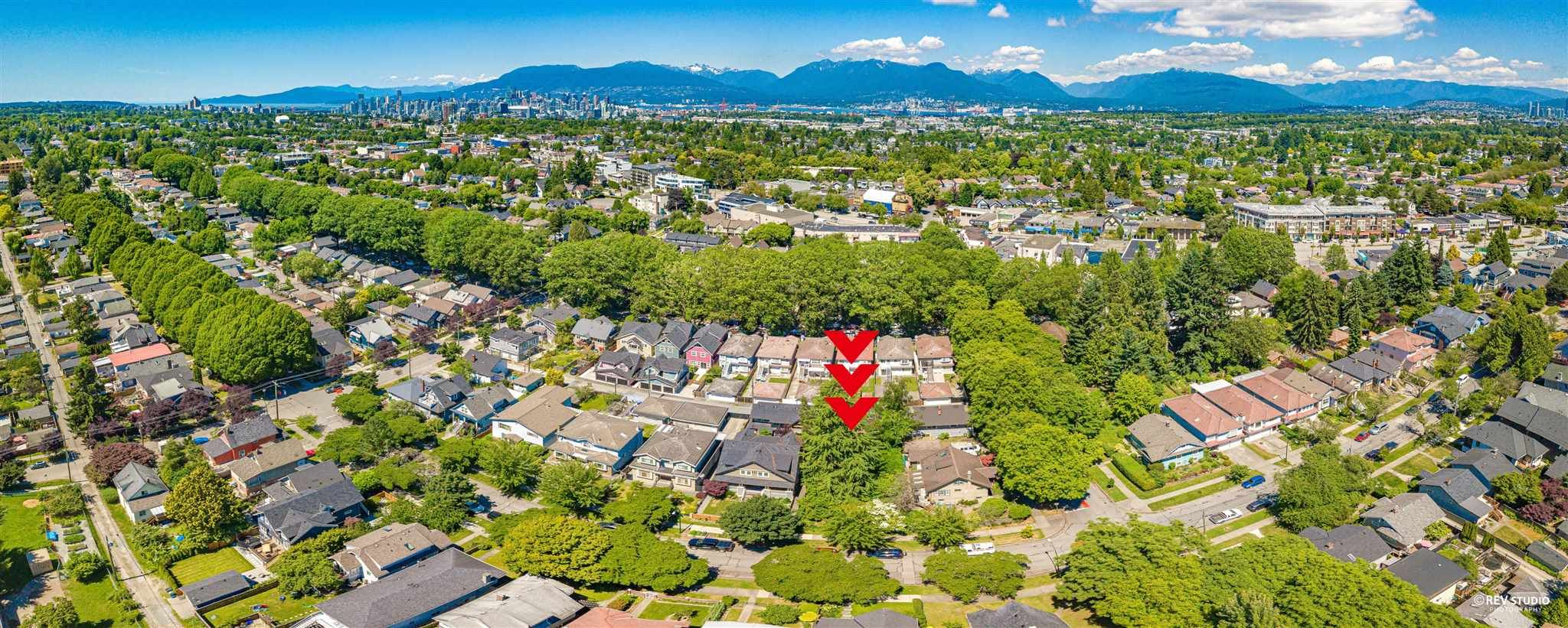 Main Photo: 1075 E 22ND Avenue in Vancouver: Fraser VE House for sale (Vancouver East)  : MLS®# R2596219
