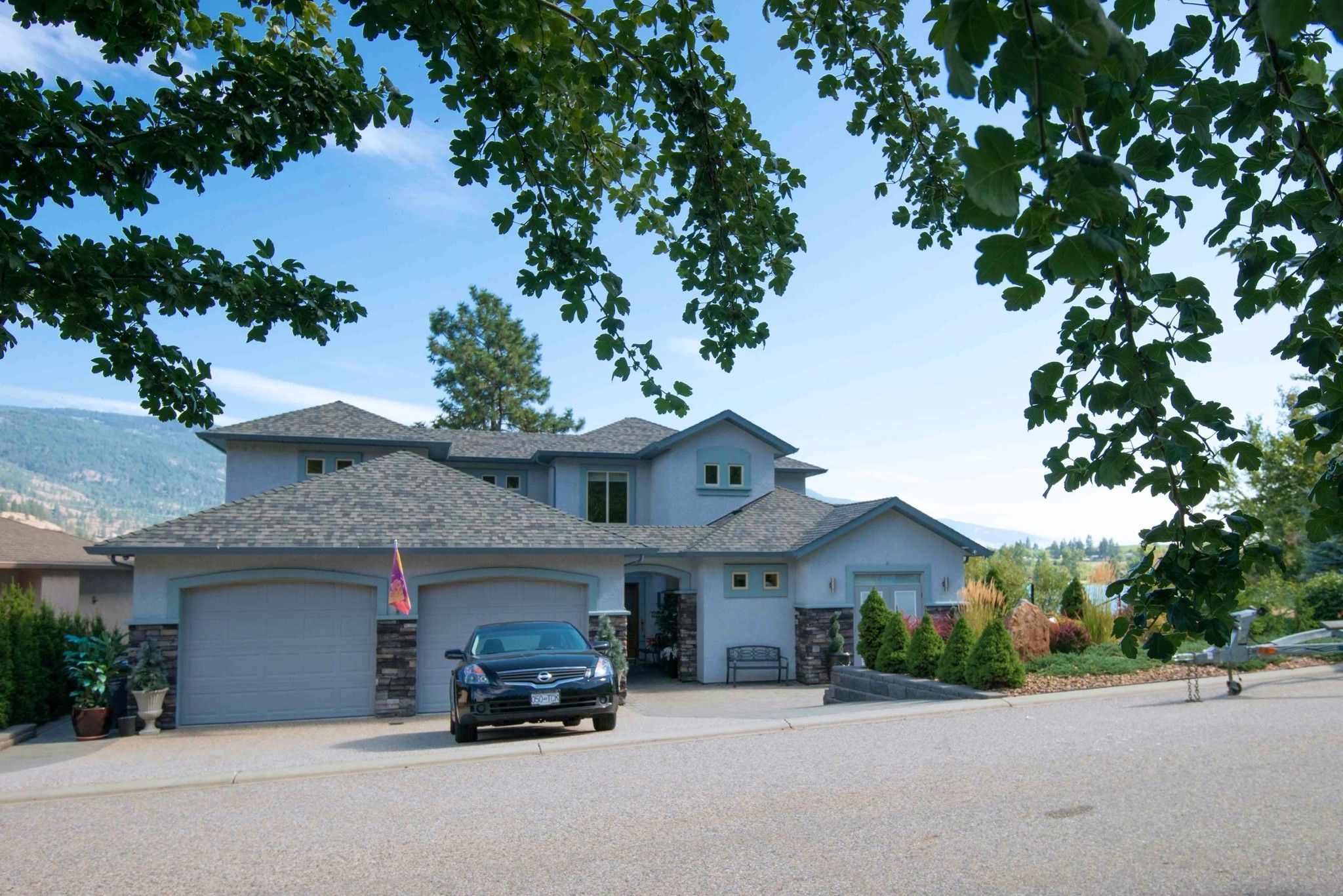 Main Photo: 1 17211 Thomson Road in Lake Country: Lake Country East / Oyama House for sale (Central Okanagan)  : MLS®# 10088082