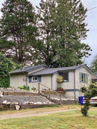 Photo 1: 5701 WHARF Avenue in Sechelt: Sechelt District House for sale (Sunshine Coast)  : MLS®# R2584646