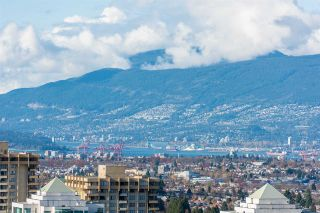 """Photo 13: 3307 4670 ASSEMBLY Way in Burnaby: Metrotown Condo for sale in """"Station Square"""" (Burnaby South)  : MLS®# R2426014"""