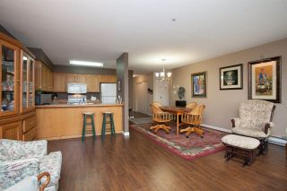Photo 4: 312 11595 FRASER STREET in Maple Ridge: East Central Condo for sale : MLS®# R2050704