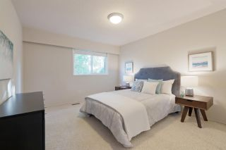 """Photo 11: 911 OLD LILLOOET Road in North Vancouver: Lynnmour Townhouse for sale in """"Lynnmour Village"""" : MLS®# R2317765"""