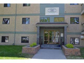 Photo 1: 208 1435 Embassy Drive in Saskatoon: Holiday Park Condominium for sale (Saskatoon Area 04)  : MLS®# 436469