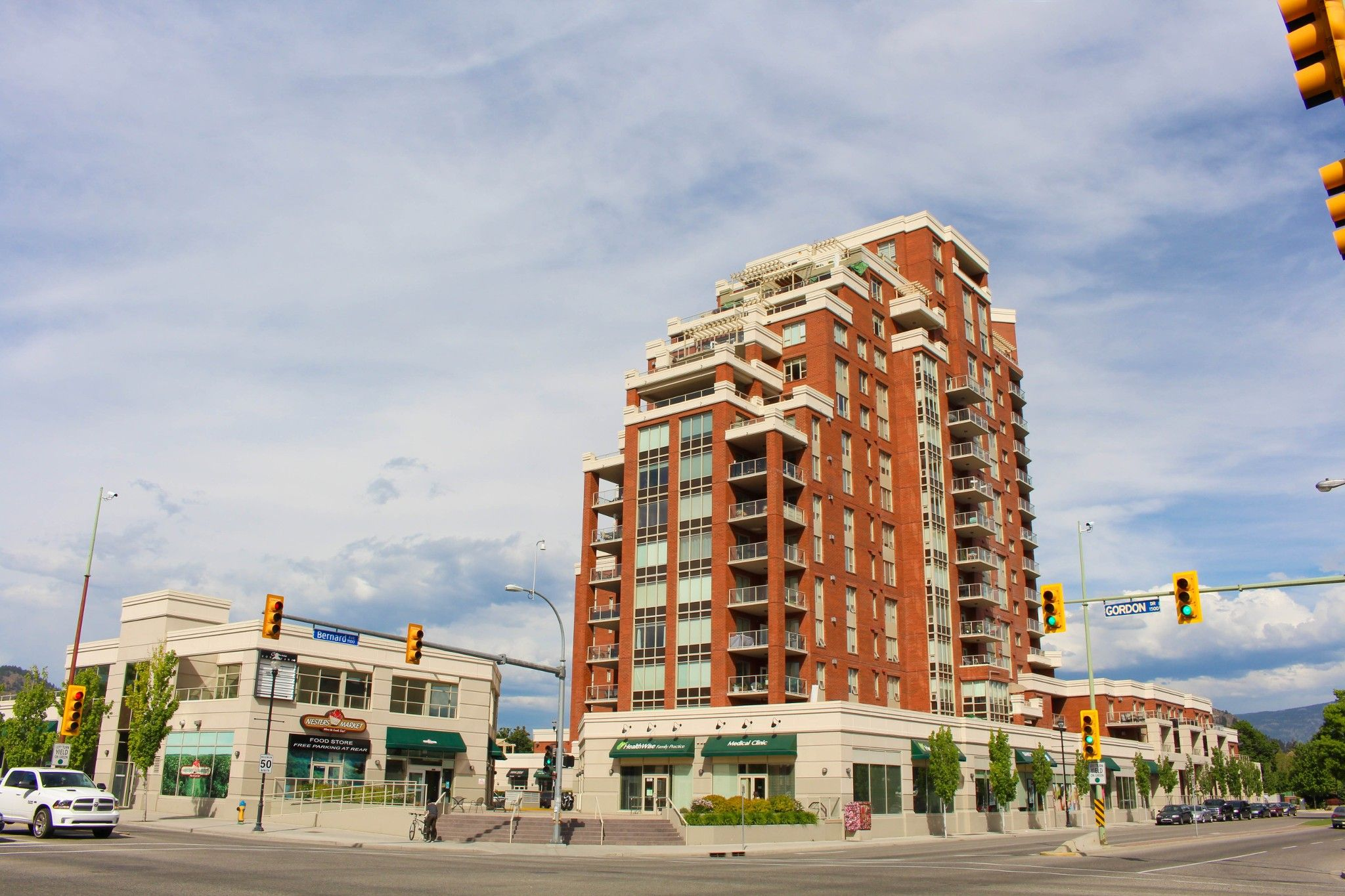 Main Photo: 508 1160 Bernard Avenue in Kelowna: Kelowna North House for sale (Central Okanagan)  : MLS®# 10152907