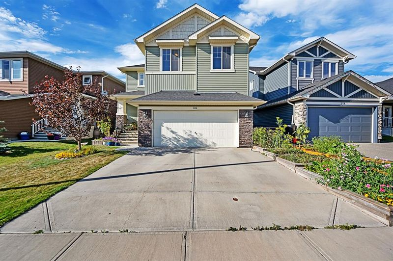 FEATURED LISTING: 122 Ravenscroft Green Southeast Airdrie