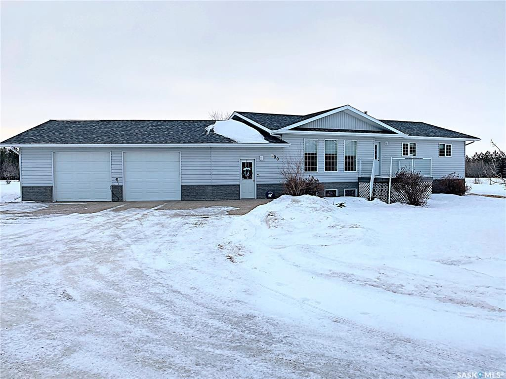 Main Photo: 800 McKenzie Street North in Outlook: Residential for sale : MLS®# SK839744