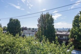 """Photo 7: 308 1516 CHARLES Street in Vancouver: Grandview VE Condo for sale in """"Garden Terrace"""" (Vancouver East)  : MLS®# R2302438"""