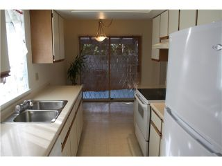 """Photo 11: 6950 TYNE Street in Vancouver: Killarney VE 1/2 Duplex for sale in """"CHAMPLAIN HEIGHTS"""" (Vancouver East)  : MLS®# V1044815"""