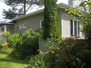 Photo 1: 1584 BOWSER Avenue in North Vancouver: Norgate Townhouse for sale : MLS®# V964462