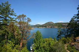 Photo 4: 4067 FRANCIS PENINSULA Road in Madeira Park: Pender Harbour Egmont House for sale (Sunshine Coast)  : MLS®# R2604603