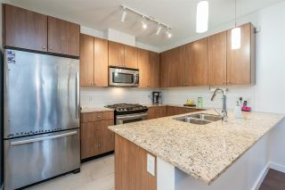 Photo 3: 401 280 ROSS Drive in New Westminster: Fraserview NW Condo for sale : MLS®# R2446074