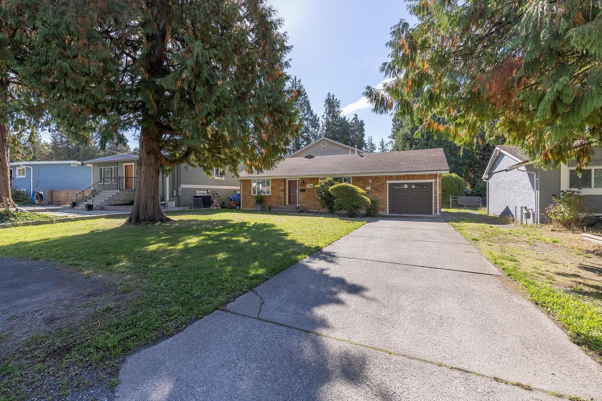 """Main Photo: 34558 KENT Avenue in Abbotsford: Abbotsford East House for sale in """"CLAYBURN / STENERSEN"""" : MLS®# R2621600"""