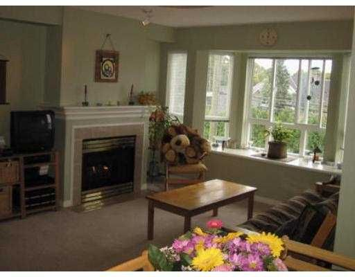 """Photo 2: Photos: 232 2565 W BROADWAY BB in Vancouver: Kitsilano Townhouse for sale in """"TRAFALGAR MEWS"""" (Vancouver West)  : MLS®# V557158"""