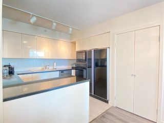 Photo 8: 5B 1403 BEACH Avenue in Vancouver: West End VW Condo for sale (Vancouver West)  : MLS®# R2550010