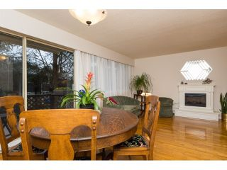 """Photo 9: 911 555 W 28TH Street in North Vancouver: Upper Lonsdale Condo for sale in """"CEDAR BROOKE VILLAGE"""" : MLS®# R2027545"""