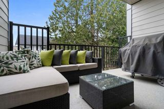 """Photo 10: 10 2427 164 Street in Surrey: Grandview Surrey Townhouse for sale in """"THE SMITH"""" (South Surrey White Rock)  : MLS®# R2565013"""