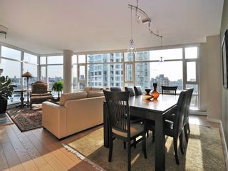 "Photo 4: 1807 198 AQUARIUS MEWS ME in Vancouver: Yaletown Condo for sale in ""AQUARIUS II"" (Vancouver West)  : MLS®# V995255"
