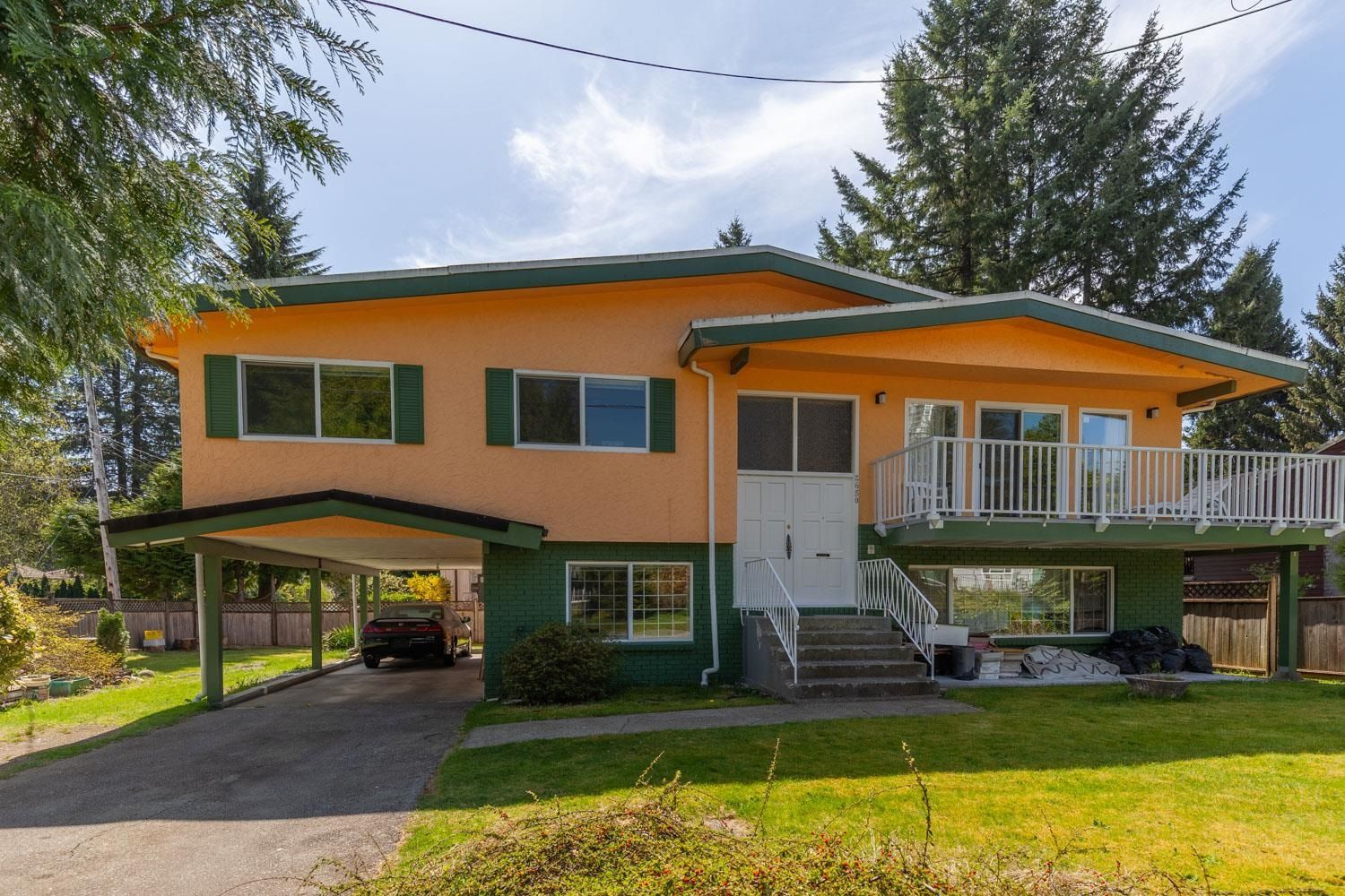 Main Photo: 2650 TUOHEY Avenue in Port Coquitlam: Woodland Acres PQ House for sale : MLS®# R2618666