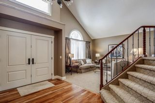 Photo 3: 74 SHAWNEE CR SW in Calgary: Shawnee Slopes House for sale : MLS®# C4226514
