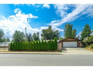 Photo 2: 7753 TAULBUT Street in Mission: Mission BC House for sale : MLS®# R2612358