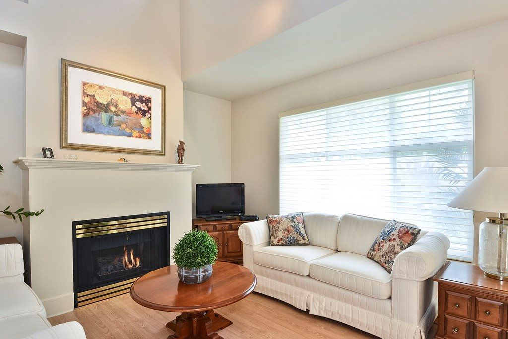 """Photo 7: Photos: 22 14877 33RD Avenue in Surrey: King George Corridor Townhouse for sale in """"Sandhurst"""" (South Surrey White Rock)  : MLS®# R2206509"""