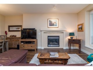 """Photo 4: 19074 69A Avenue in Surrey: Clayton House for sale in """"CLAYTON"""" (Cloverdale)  : MLS®# R2187563"""