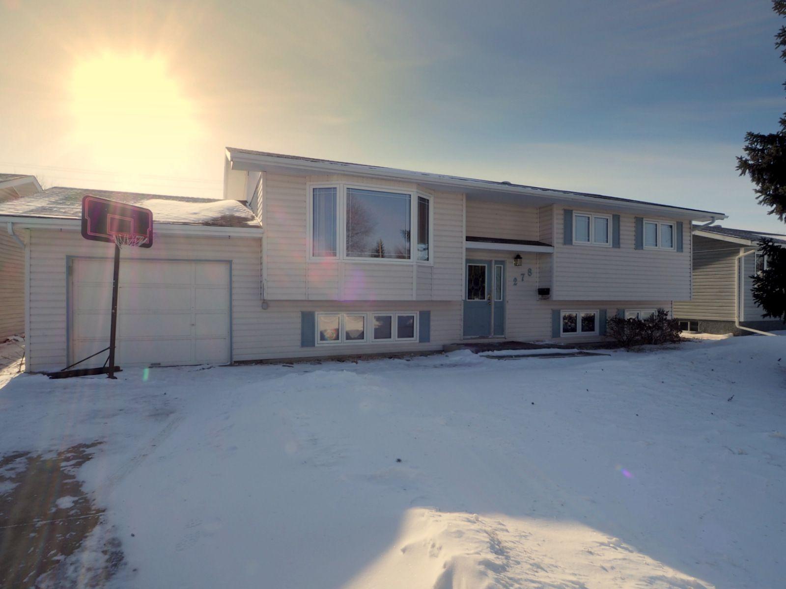 Main Photo: 278 Seneca Street in Portage la Prairie: House for sale : MLS®# 202102669