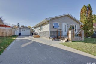 Photo 1: 326 Haviland Crescent in Saskatoon: Pacific Heights Residential for sale : MLS®# SK871790