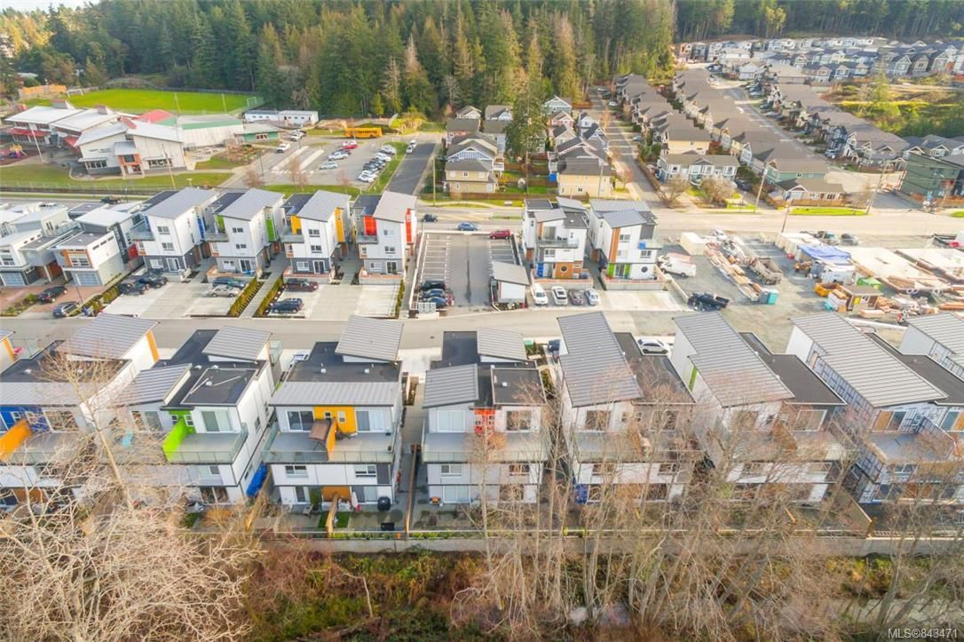 Main Photo: 101 3337 Radiant Way in Langford: La Happy Valley Row/Townhouse for sale : MLS®# 843471
