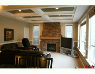 """Photo 3: 21683 90A Avenue in Langley: Walnut Grove House for sale in """"Madison Park"""" : MLS®# F1002997"""
