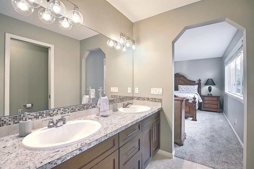 Photo 17: Photos: 14 ASPEN HILLS Manor SW in Calgary: Aspen Woods Detached for sale : MLS®# A1116032