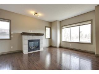 Photo 10: 514 NORTHMOUNT Drive NW in Calgary: Highwood House for sale : MLS®# C3653747