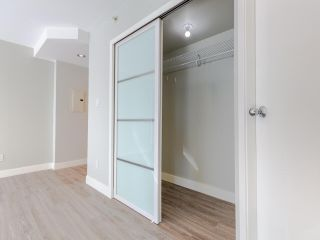 "Photo 3: 2308 1166 MELVILLE Street in Vancouver: Coal Harbour Condo for sale in ""ORCA PLACE"" (Vancouver West)  : MLS®# R2570672"