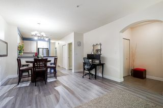 """Photo 7: 54 6878 SOUTHPOINT Drive in Burnaby: South Slope Townhouse for sale in """"CORTINA"""" (Burnaby South)  : MLS®# R2615060"""