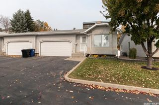 Photo 2: 106 322 La Ronge Road in Saskatoon: Lawson Heights Residential for sale : MLS®# SK872037