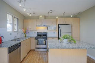 """Photo 4: 11 20350 68 Avenue in Langley: Willoughby Heights Townhouse for sale in """"SUNRIDGE"""" : MLS®# R2389347"""