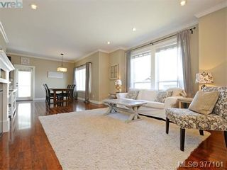 Photo 3: 1235 Clearwater Pl in VICTORIA: La Westhills House for sale (Langford)  : MLS®# 757077