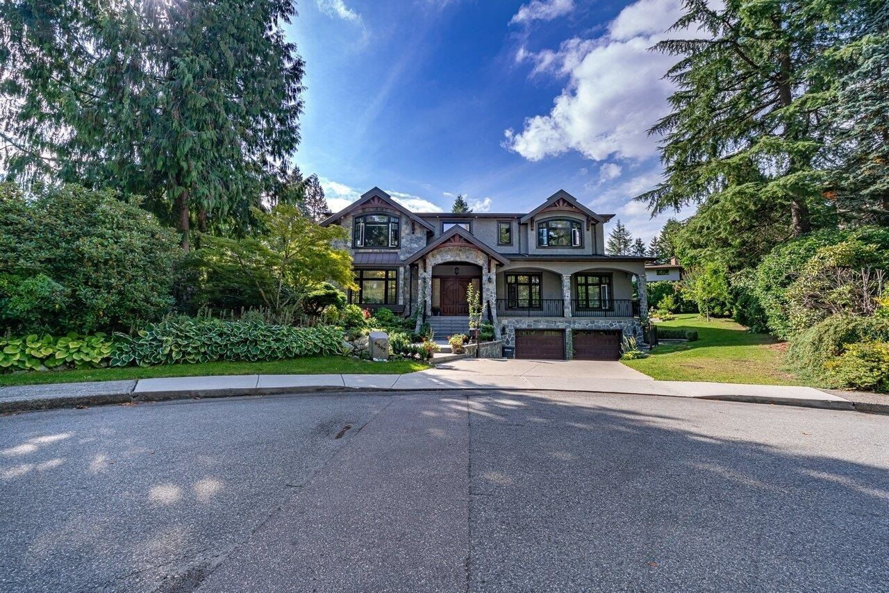 Main Photo: 6397 CHARING Court in Burnaby: Buckingham Heights House for sale (Burnaby South)  : MLS®# R2618237
