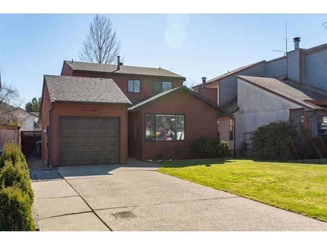 Main Photo: 2136 Winston Court in Langley: Willoughby Heights House for sale : MLS®# R2350435