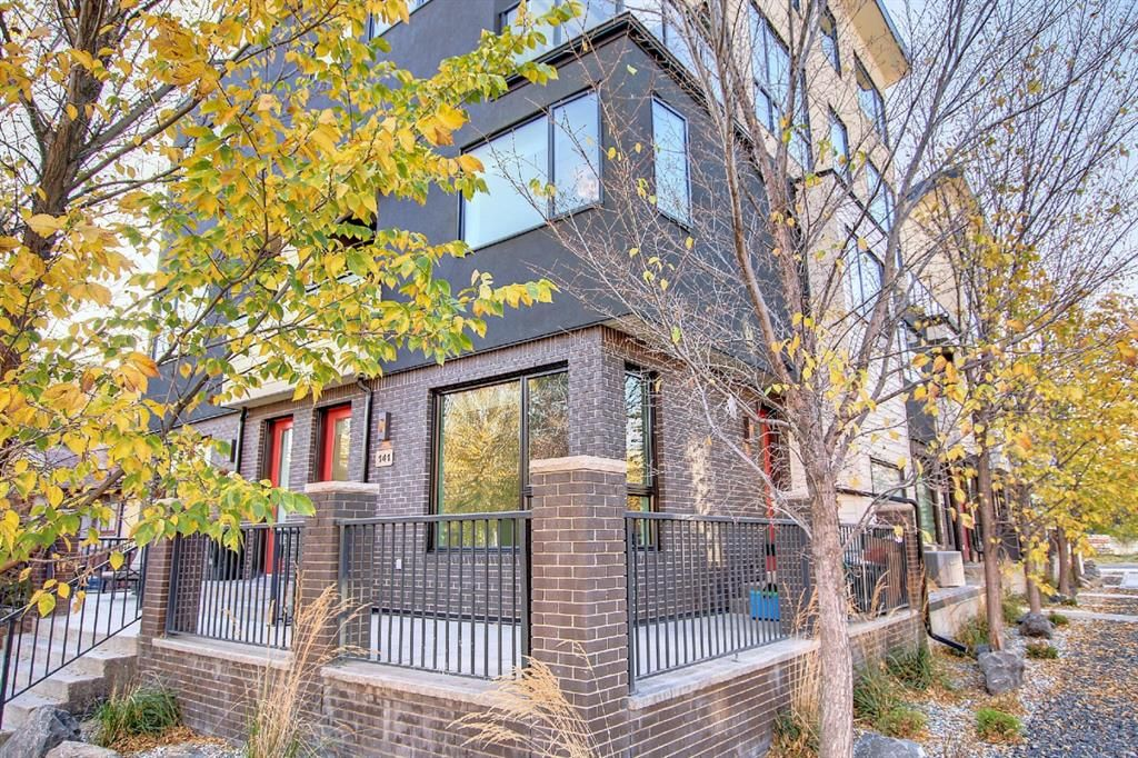 Main Photo: 141 24 Avenue SW in Calgary: Mission Row/Townhouse for sale : MLS®# A1152822