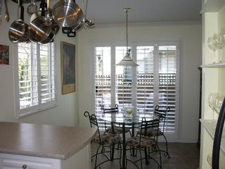 Photo 23: BEAUTIFULLY RENOVATED 3-BR TOWNHOUSE!