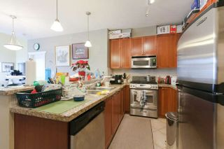 Photo 3: 413 4211 BAYVIEW STREET: Steveston South Home for sale ()  : MLS®# R2230647