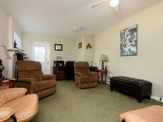 Photo 15: 2 7570 Tetayut Rd in : CS Hawthorne Manufactured Home for sale (Central Saanich)  : MLS®# 870811
