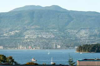 Photo 2: 2142 W 3RD AVENUE in Vancouver: Kitsilano Townhouse for sale (Vancouver West)  : MLS®# R2002064
