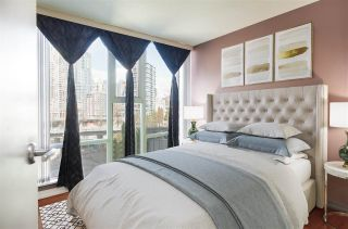 """Photo 8: 1101 583 BEACH Crescent in Vancouver: Yaletown Condo for sale in """"TWO PARK WEST"""" (Vancouver West)  : MLS®# R2578199"""