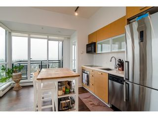 """Photo 8: 2504 10777 UNIVERSITY Drive in Surrey: Whalley Condo for sale in """"City Point"""" (North Surrey)  : MLS®# R2539376"""