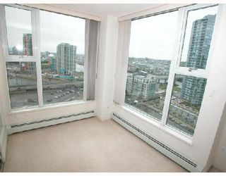 "Photo 15: 2007 1009 EXPO Boulevard in Vancouver: Downtown VW Condo for sale in ""LANDMARK 33S"" (Vancouver West)  : MLS®# V705605"